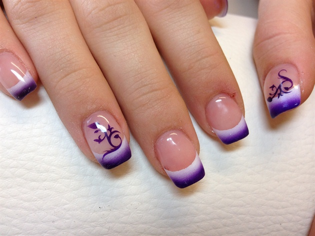 air brush design by happy nails yakima